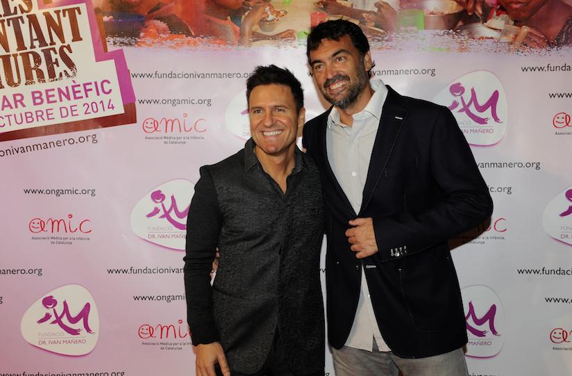 El Dr. Ivan Mañero junto al extenista Sergi Bruguera